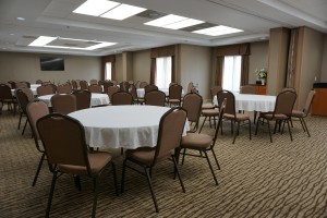 Newly Renovated Comfort Inn - Spacious meeting room
